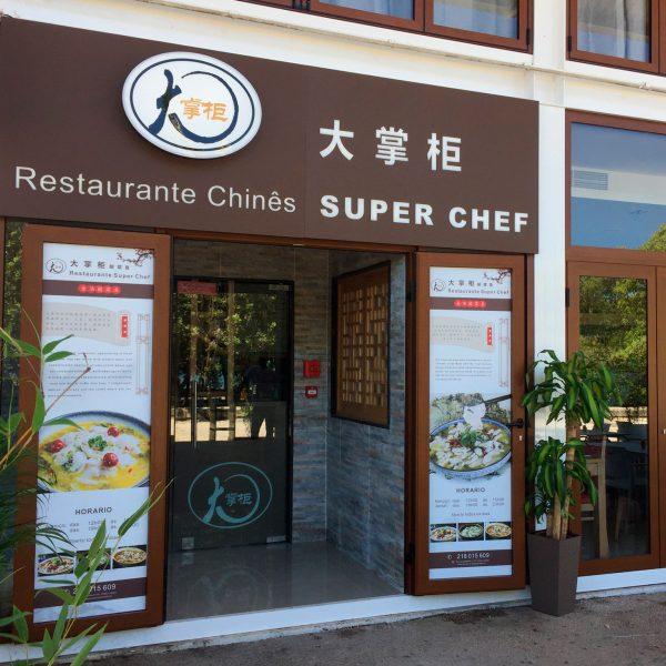 Decoração de Montras - Restaurante Chinês Super Chef - RJB Publicidade