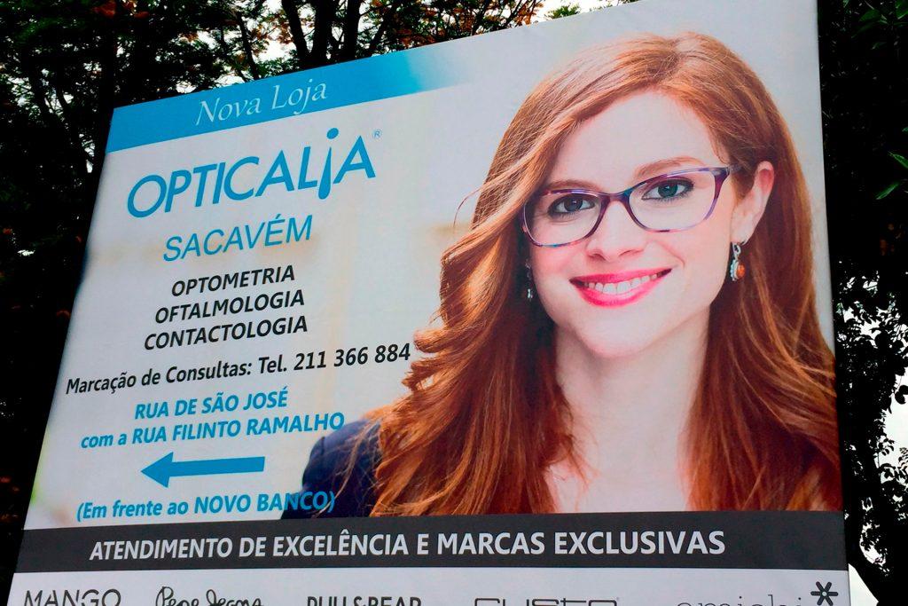 Opticália aposta na Publicidade de Outdoor - RJB Publicidade